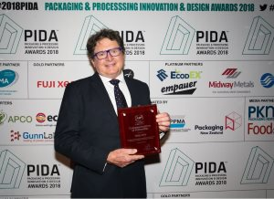 Versapak's Australian & New Zealand distributor 'RollsPack' receives prestigious fellowship award